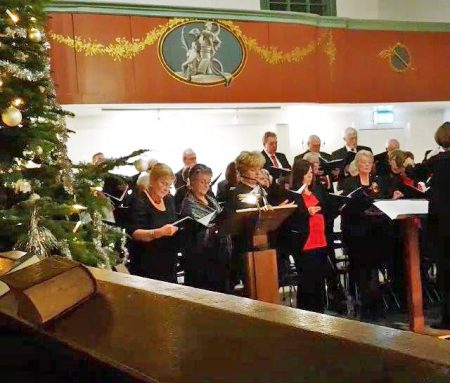 Het Engelmunduskoor zingt Christmas Carols